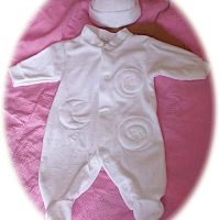 Baby's all-in-one suit
